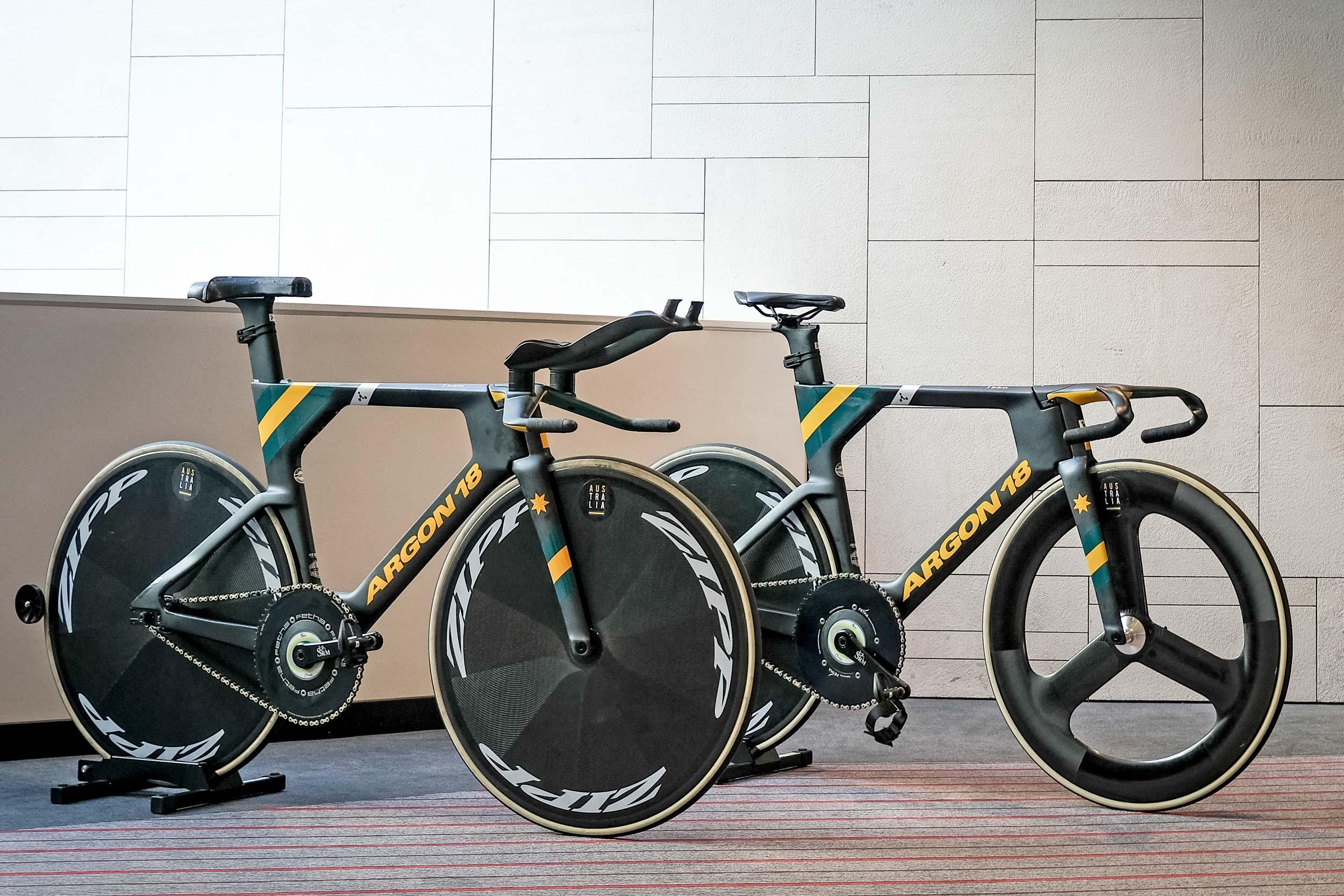 オーストラリアチームの新型バイク
